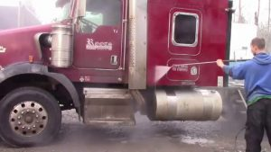 Brookswood powerwashing Langley, BC – Hot water pressure washing a semi truck in Abbbotsford, BC